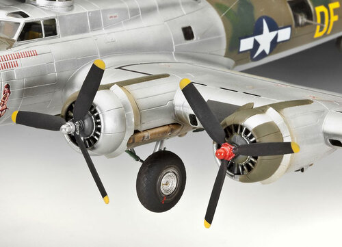 Revell B-17G Flying Fortress #3