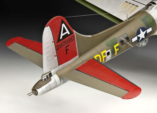 Revell B-17G Flying Fortress #5