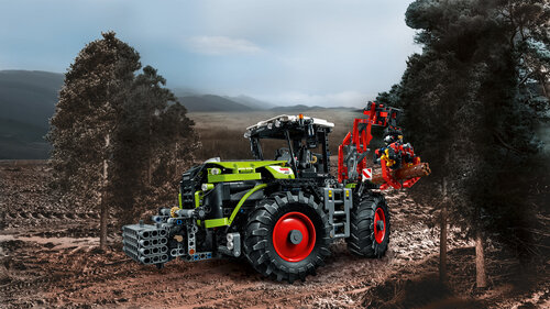 Lego Technic CLAAS XERION 5000 TRAC VC #4